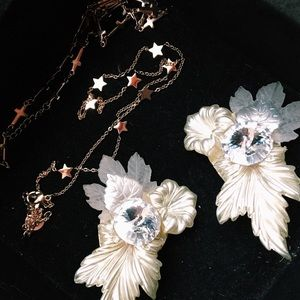 vintage | pearl floral ear climber rose earrings